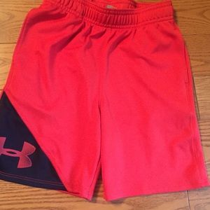 5t red under armour shorts